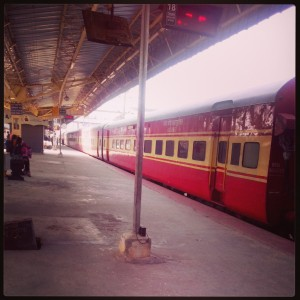 This time i came in yashvantpur ahmedabad express, the platform was empty. its a rare sight in bangalore at morning 10 am